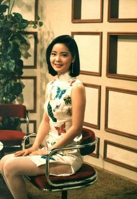 1984-butterfly-China-Dress3時にあいましょう_adjusted.jpg