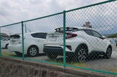 2cars02.jpg