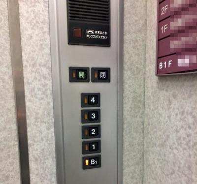 エレベーター地下1階01.jpg