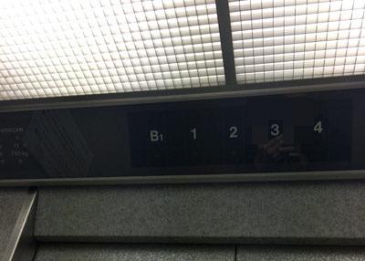 エレベーター地下1階02.jpg
