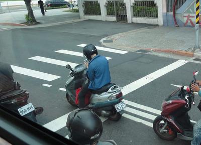 バイク・スマホ05.jpg