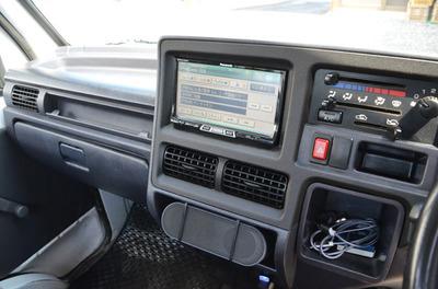 navi-speaker11.jpg